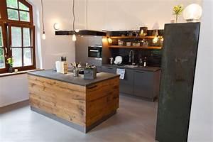 Küchen In Holzoptik : k che wenn landhausstil auf moderne trifft k chenhaus thiemann overath vilkerath ~ Markanthonyermac.com Haus und Dekorationen