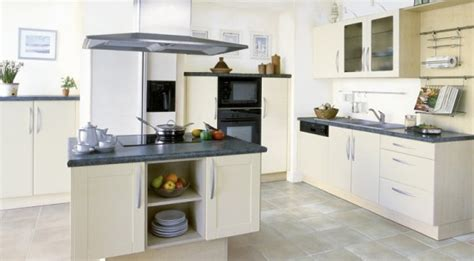 cuisine contemporaine avec ilot cuisine mobilier raimondi