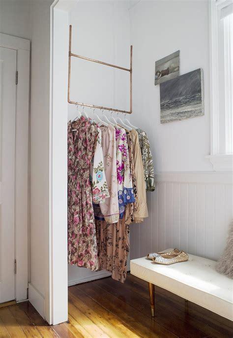 Hängende Kleiderstange hängende kleiderstange h ngende kleiderstange im puristischen