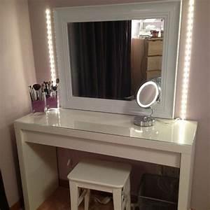 Schminktisch Mit Licht Spiegel : moderner schminktisch mit spiegel h bsche fotos ~ Bigdaddyawards.com Haus und Dekorationen