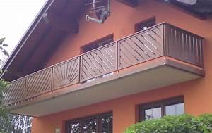 Kunststoffbretter Für Balkon : balkongel nder aus kunststoff in nussbaum ~ Lizthompson.info Haus und Dekorationen