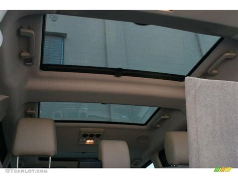 land rover lr4 interior sunroof 2011 land rover lr4 hse lux sunroof photo 38836500