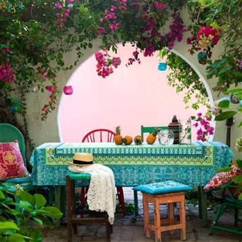 Outdoor Decorations Ideas Uk by Small Garden Ideas Garden Decorating Ideas