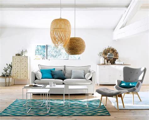 arredare casa mare arredare casa al mare con divano bianco e accessori