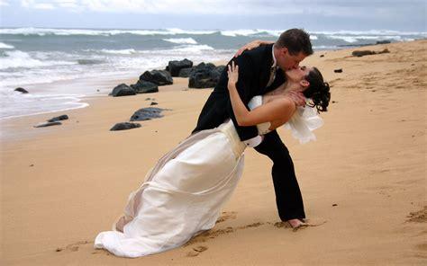 love beach romance couple wedding girl boy kissing hd
