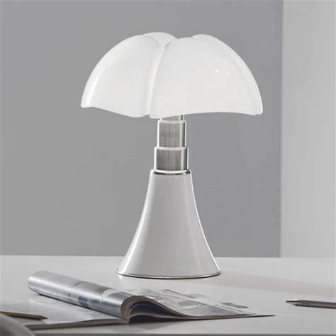 Martinelli Luce: Gae Aulenti Mini Pipistrello Lamp: NOVA68.com