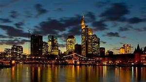 Skyline Frankfurt Bild : frankfurt main skyline und eiserner steg foto bild architektur architektur bei nacht ~ Eleganceandgraceweddings.com Haus und Dekorationen