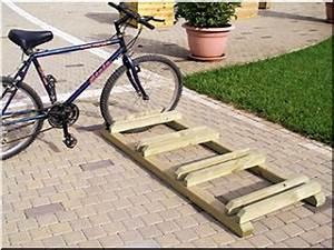 Fahrradständer Selber Bauen : ker kp rtart ker k r t rol garteneinfassung bretter robinie ~ One.caynefoto.club Haus und Dekorationen