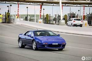 Esprit Automobile 17 : lotus esprit s4 17 oktober 2016 autogespot ~ Gottalentnigeria.com Avis de Voitures
