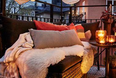 Un salon de jardin confortable pour une terrasse cocooning