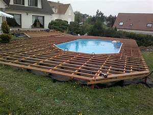 piscine teck semi enterree piscine octogonale bois semi With superb terrasse piscine semi enterree 1 les piscines en bois en photo