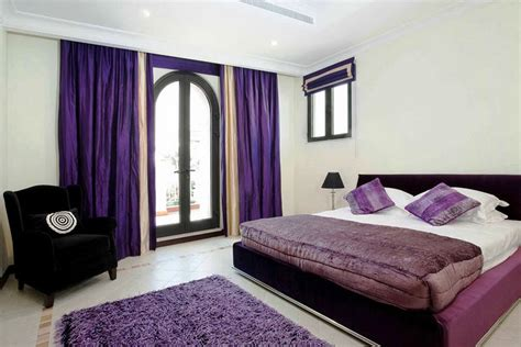 Bedroom Decor Ideas In Purple by Important Things Of Purple Bedroom Decor Homesfeed