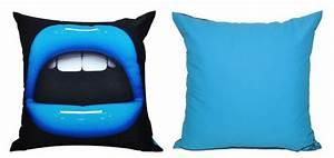 Coussin Pas Cher : coussin bleu optez pour nos coussins bleus design prix mini rdvd co ~ Teatrodelosmanantiales.com Idées de Décoration