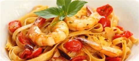 pasta met knoflook tomaat basilicum en garnalen recept