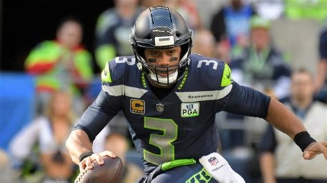 nfl insider notes dont blame russell wilson  wanting