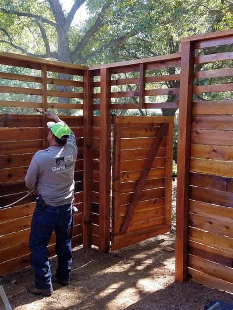 tips  finding   fence contractor sierra fence