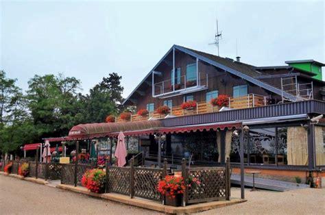 photo 224 dole 39100 dole jura le chalet du mont roland hotel restaurant 151722 communes