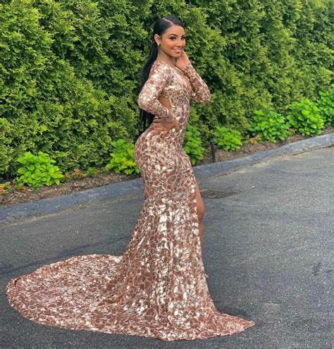 #rosegoldpromdress #prom2k19 | Prom dresses long with ...