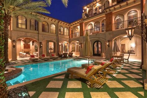 houses  courtyards  town  price