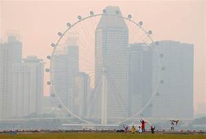 Singapore haze: Smoke from plantation fires in Indonesia ...