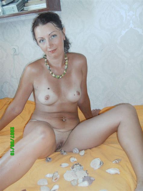 Russian Milf Posing Naked At Home Russian Sexy Girls