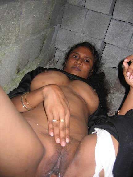Desi Kamwali Ne Chut Kholi Antarvasna Indian Sex Photos