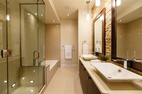 rénover plan de travail cuisine carrelé deveraux home classique chic salle de bain calgary par pavan sandhu