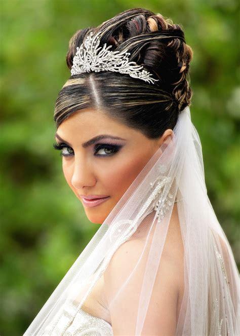 Bride Hair Styles For Long Hiar With Veil Half Up 2013 For