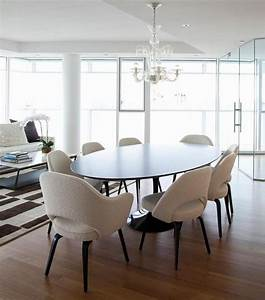 Modern round dining table a new family tradition for Modern round dining table a new family tradition