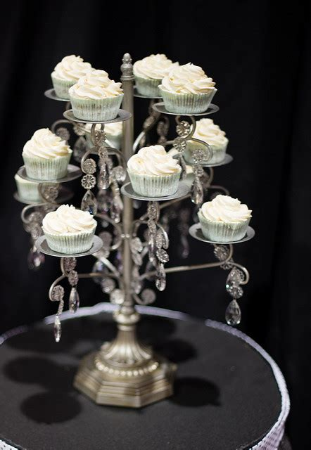 chandelier cupcake holder cake stands  tier square acrylic crystal beaded chandelier cake
