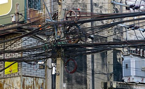 Mexico Bad Electrical Wiring by Thai Government To Tackle Overhead Wire Problem After