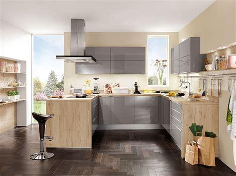 Küche In Uform  Möbel Wallach