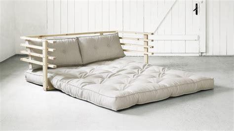 canape convertible confortable lit d appoint le meuble des petits espaces westwing