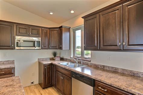 rv pecan floor plan square raised style cabinets  shades  fall stain color butterum