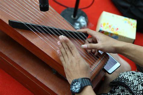Biasanya fungsi dari alat musik melodis ini ialah. 10 Alat Musik Melodis yang Perlu Kamu Ketahui | BukaReview