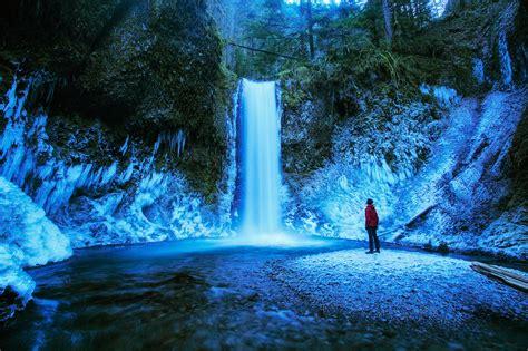 waterfalls oregon frozen winter falls
