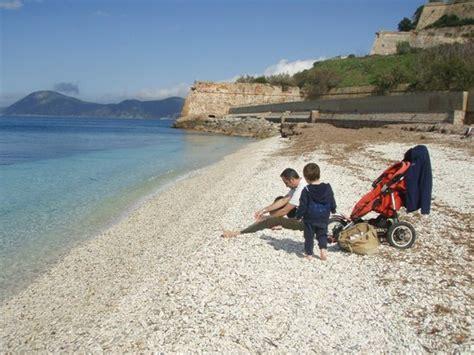 albergo le ghiaie portoferraio le ghiaie picture of spiaggia delle ghiaie portoferraio