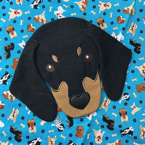 hoop dachshund face zippered bag embroidery design     embroidery machine
