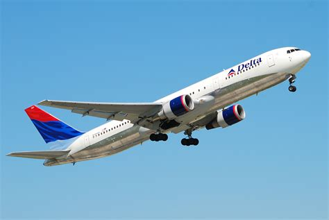 Delta Airlines is rewarding its employees with $1.1 billion - The Winglet
