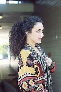 Fabulous 15 Ways To Style Curly Hairs In Fashion Tone