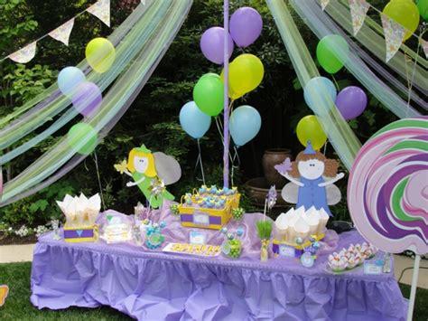 lila teppiche 25 ideen für dekoration zum geburtstag im garten