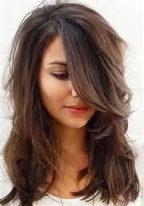 coupe cheveux dã gradã les 25 meilleures idées concernant cheveux longs dégradés sur couches de cheveux