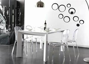 chaises transparentes pour une salle a manger contemporaine With salle À manger contemporaineavec chaises salle À manger transparentes