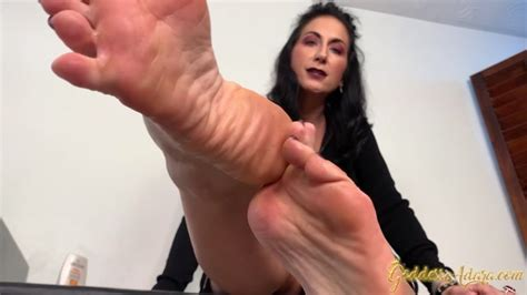 Goddess Adara Jordin Weak For Ravens Sexy Feet Porno