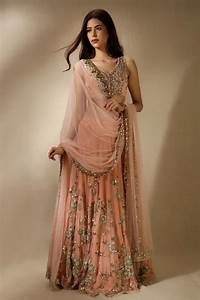 Best 25+ Indian inspired fashion ideas on Pinterest Indian lehenga, Boat neck saree blouse and