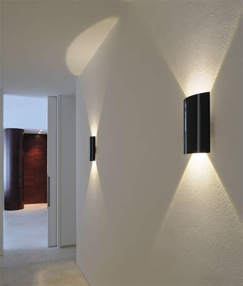 led gloss up wall light