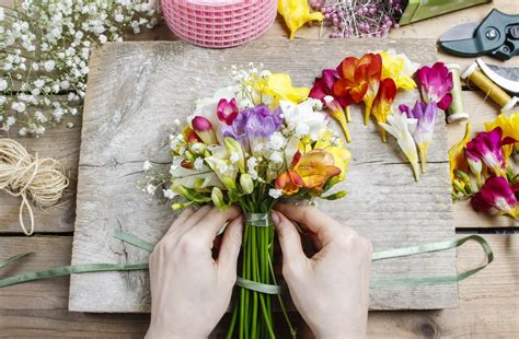 Arranging Flowers by Amazing Flower Arranging You Can Do At Home Central