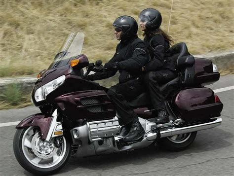 Review Honda Goldwing by Honda Gl1800 Goldwing 2001 On Review Mcn