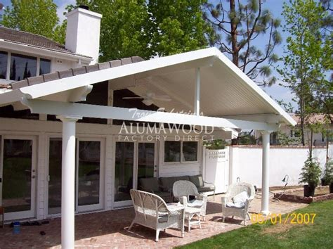 maxx panel insulated alumawood tm patio cover with sky
