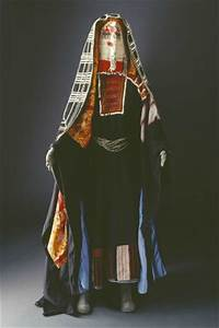 Traditional costume of the Harb Tribe of Saudi Arabia ...